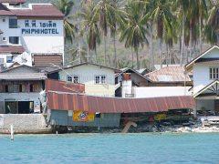 Tsunami pozostawiło wielkie zniszczania