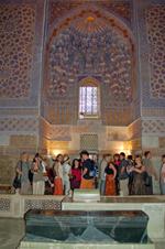 Uczestnicy study tour w Mauzoleum Tamerlana ( Gur Emir ) w Samarkandzie